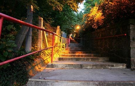 Průchod z ulice Slavojova