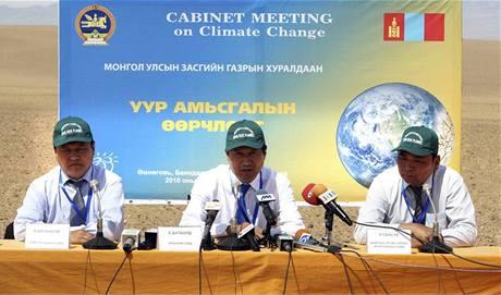 Mongolská vláda zasedala v poušti Gobi (27.08.2010)