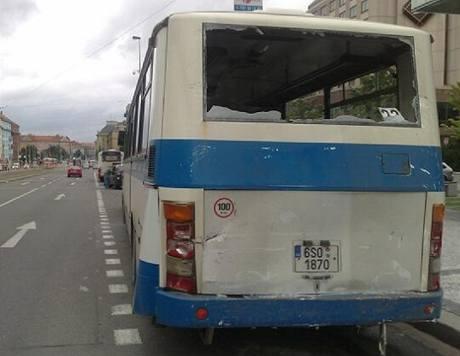 V pražské Gymnasijní ulici se srazily dva autobusy (31.08.2010)