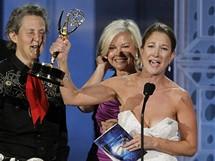 Producentka Emily Gerson Sainesov� s cenou Emmy za nejlep�� televizn� film Temple Grandin