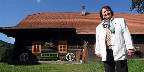 Ocenění za nejhezčí opravu lidové stavby získala Hana Orságová z Karolínky