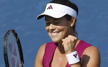 Ana Ivanovičová se raduje z postupu do dalšího kola US Open