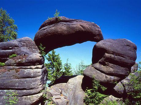 Skalní útvar Kamenná brána