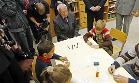 Václav Klaus na základní škole T. G. Masaryka v Litomyšli