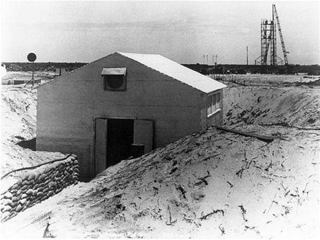 """První """"řídicí středisko"""" na Cape Vanaveral, odkud se řídily starty raket V-2/WAC"""