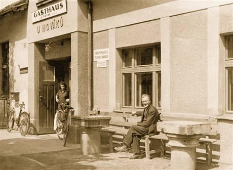 Rodina Novákova, která vlastní hostinec U Nováků v Lipí nad Náchodem už přes sto let