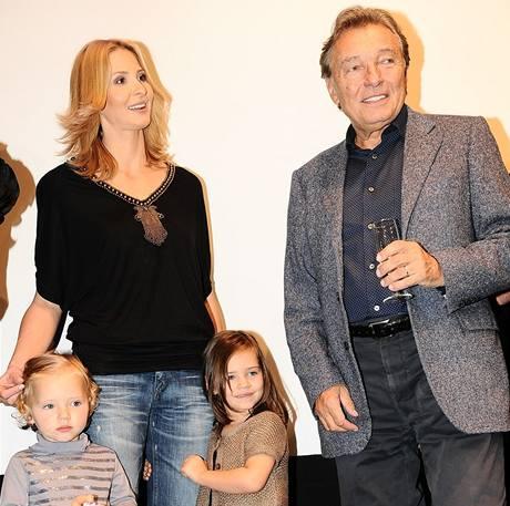 Ivana a Karel Gottovi s dcerami