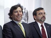 Chilský ministr hornictví Laurence Golborne (vlevo)