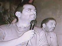 Mario Sepulveda, jeden z 33 uvězněných chilských horníků, hovoří během videokonference s nadzemím (5. září 2010)