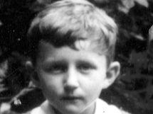 Ústecký archivář Vladimír Kaiser jako prvňák.
