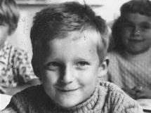 Bavič Vladimír Hron v první třídě.