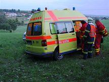 Mezi obcemi Tučapy a Prusinkovice na Holešovsku se v pátek večer těžce zranil pilot motorového paraglidu