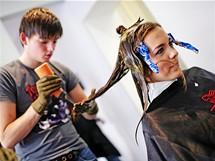 Kristina Kašparová prochází proměnou - barvení vlasů