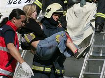 Cvičení simulující nehodu letadla se na olomouckém letišti v Neředíně zúčastnilo přes dvě sta záchranářů, hasičů i policistů.