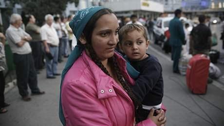 Romové odjíždějí z Francie zpět Rumunska (14. září 2010)