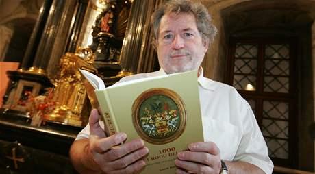 Ludvík Belcredi napsal knihu 1 000 let rodu Belcredi.