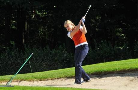 Finálový turnaj Miss golf 2010 - finalistka z roku 2008 Kateřina Šmídová.