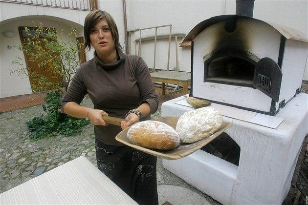 Unikátní mobilní pec na pečení chleba v domě U Beránka.