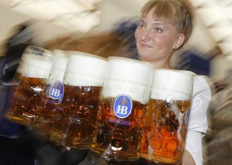 V Mnichově odstartoval svátek piva a jídla Oktoberfest. (18. září 2010)