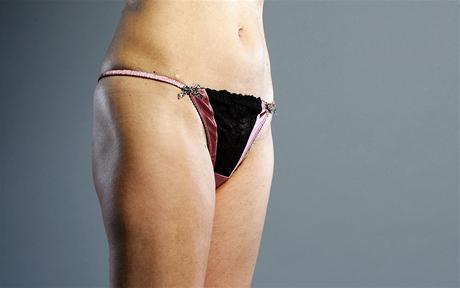 Spodní prádlo k postavě: povislé tvary