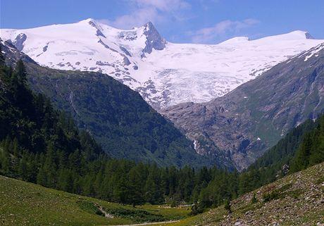 Údolí Tauernbach, v pozadí Grossvenediger (3662 m)