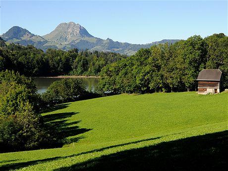 Pohled od přehrady Montsalvens na Moléson