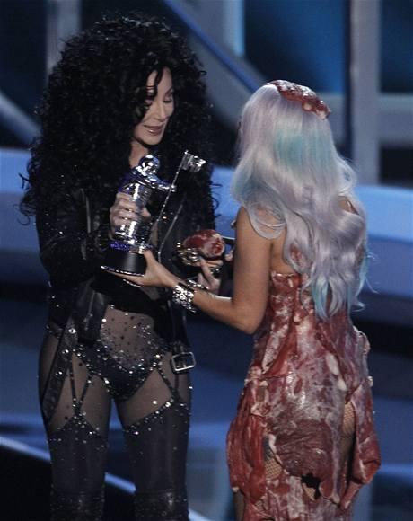 Předávání cen MTV 2010 (Cher a Lady Gaga)