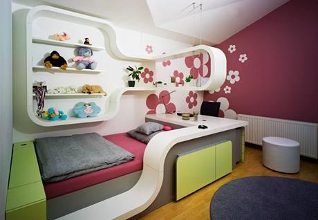 Materiál polyrei umožnil  v dětských pokojích zajímavé tvarování nábytku