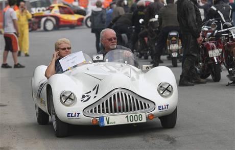 Automobil na přehlídce veteránů Ecce Homo ve Šternberku.