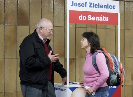 Josef Zieleniec zahájil svou volební kampan´na Chodově. 16. 9. 2010