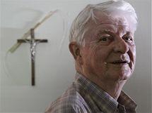 Američan Jack Sullivan tvrdí, že modlitba ke kardinálovi  John Henry Newmanovi ho vyléčila po operaci páteře. Newman bude blahořečen během papežovy návštěvy Velké Británie.