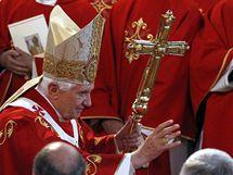 Papež Benedikt odsloužil mši ve Westminsterské katedrále v Londýně (18. září 2010)