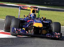 Sebastian Vettel s vozem Red Bull při Velké ceně Itálie.