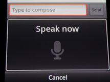 Diktovat text můžete kdekoli, kde lze psát pomocí on-screen klávesnice