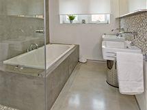 Koupelna ve spodním podlaží
