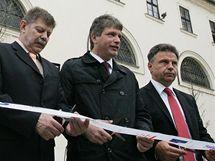 Představitelé města Brna otevřeli zrekonstruované Moravské náměstí.