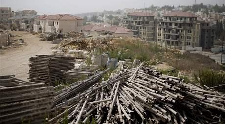 Stavební materiál v izraelské osadě Ariel (26. září 2010)