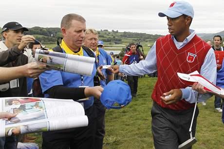 TIger Woods má ve Walesu před Ryder Cupem větší přízeň místních fanoušků než médií.