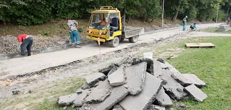 Havlíčkův Brod staví novou cyklostezku v Plovárenské ulici.