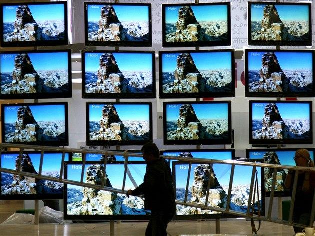 Televize doká�e tém�� cokoliv. Na ze� ji ale musíte pov�sit