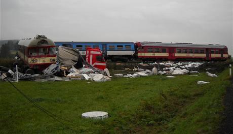 Vlak se srazil s kamionem nedaleko Bruntálu.
