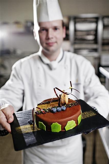 Narozeninový dort, jehož autorem je cukrář Lukáš Skála
