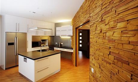 Posuvné dveře opticky zvětšují plochu domu