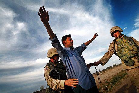 Irák, Bagdád, zatykání atentátníka