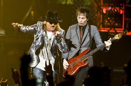 Guns N' Roses vystoupili v pražské O2 areně (27. září 2010)