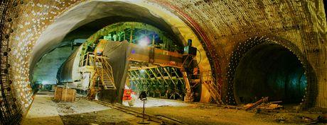 Cholupický tunel - Křížení zálivu a průjezdné propojky