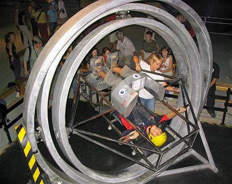 Zájemci si zde mohou zkusit jak vypadá kosmický výcvik.