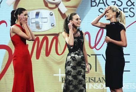 Moderátorka finálového večera soutěže Australia's Next Top Model Sarah Murdochová vyhlásila nesprávnou vítězku