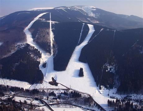 Pohled na nový lyžařský areál v Koutech nad Desnou.