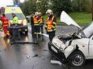 Zlínští hasiči zasahovali u nehody u obce Lípa, kde byli zraněni čtyři lidé. (27. září 2010)